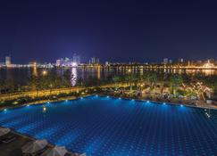 Sokha Phnom Penh Hotel - Phnom-Penh - Zwembad