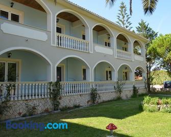 Hotel Villa Basil - Planos - Building