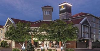 La Quinta Inn & Suites By Wyndham Denver Airport Dia - דנבר
