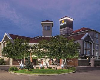 La Quinta Inn & Suites By Wyndham Denver Airport Dia - Denver - Building
