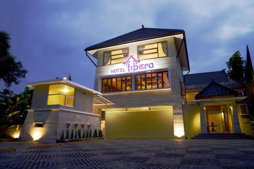 Tibera Hotel Cibeunying - Bandung - Toà nhà