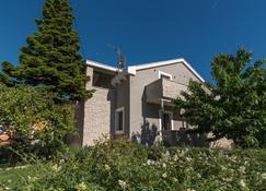 Villa Lucica Trogir - Trogir - Building
