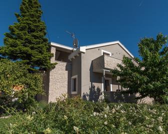 Villa Lucica Trogir - Trogir - Gebouw
