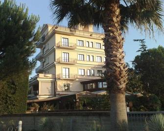 Hotel La Rotonda - Chieti - Building