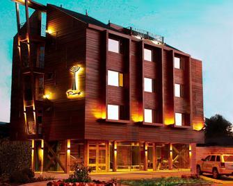 Hotel Rangi Pucon - Pucón - Toà nhà
