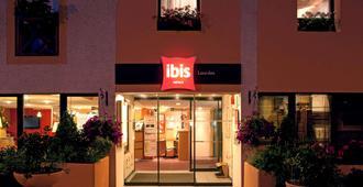 ibis Lourdes Centre Gare - Lourdes - Building