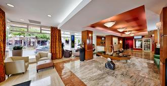Courtyard by Marriott San Juan Miramar - San Juan - Lobby
