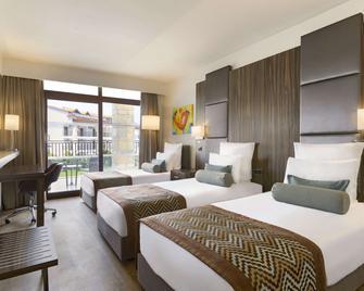 Ramada Resort by Wyndham Akbuk - Akbük - Slaapkamer
