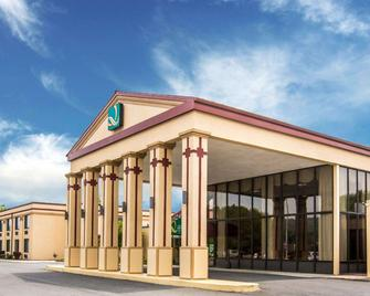 Quality Inn & Suites - Kingston - Building