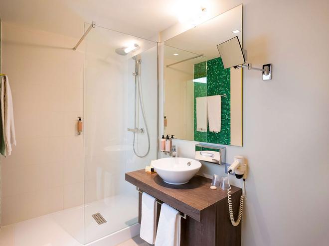 Ibis Styles Kortrijk Expo - Kortrijk - Bathroom