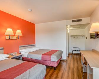 Motel 6 Tracy - Tracy - Спальня