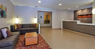 Hyatt House Houston Galleria - Houston - Receptionist