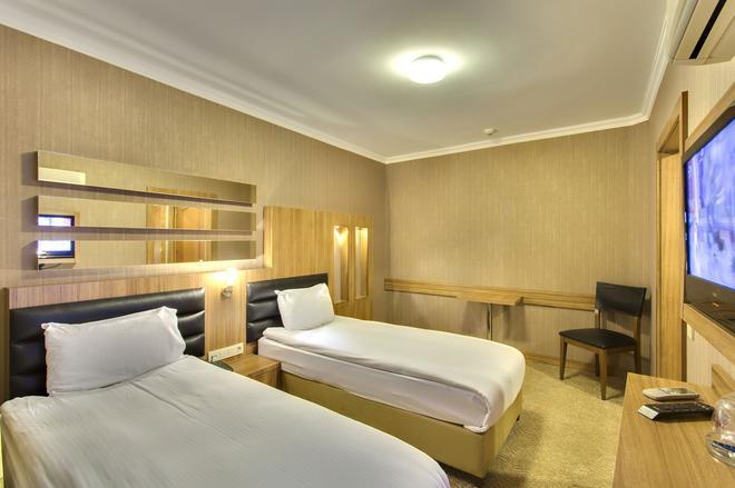 Hotel Antroyal - Antalya - Bedroom