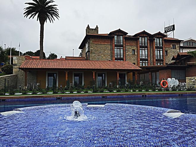 Hotel Marfrei - Suances - Edificio