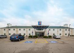 Motel 6 Grand Island - Grand Island - Building