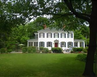 Oak Manor Inn - Hartsville - Gebouw