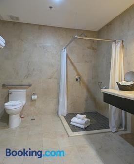 Studio Hotel Boutique - Santa Ana - Bathroom