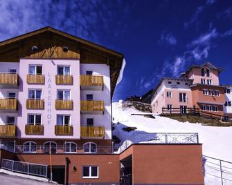 Hotel Laaxerhof - Tamsweg - Building