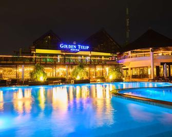 Golden Tulip Accra - Accra - Pool
