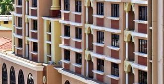 Hotel Milan - Panama City - Building