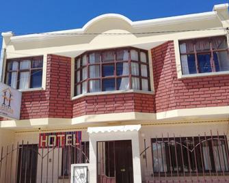 Hotel Aguilar - Uyuni - Building