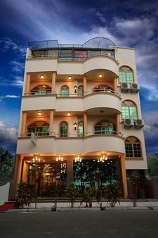 Loona Hotel - Hulhumale - Building