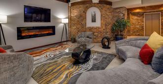 Best Western Plus Governor's Inn - Richmond - Phòng khách