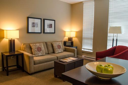 The Oswego Hotel - Victoria - Living room