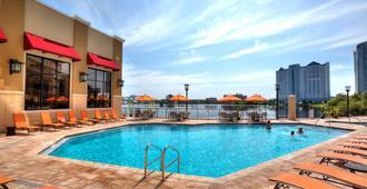 Ramada Plaza Resort & Suites By Wyndham Orlando Intl Drive - אורלנדו - בריכה