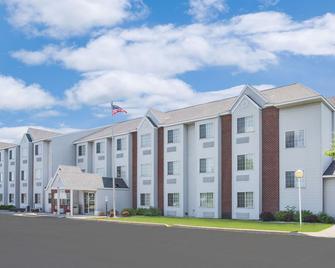 Microtel Inn & Suites by Wyndham Fond Du Lac - Fond du Lac - Gebäude