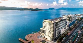 Kota Kinabalu Marriott Hotel - Kota Kinabalu - Outdoors view