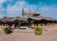Dharma Beach - Montañita (Guayas) - Rakennus