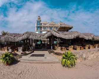 Dharma Beach Hotel - Montañita (Guayas) - Edificio