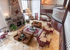 Comfort Inn and Suites Near Pocono Mountains - Mt Pocono - Lounge