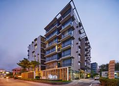 Altera Hotel and Residence by At Mind - Pattaya - Building