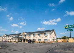 Quality Inn - Coralville - Rakennus