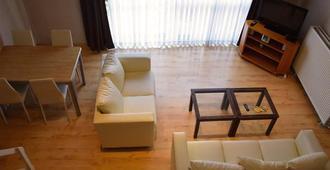 Ambassador Suites Leuven - Leuven - Living room