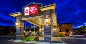 Best Western Plus Bloomington Hotel - Bloomington - Building