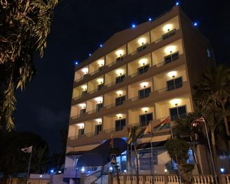 Maple Leaf Hotel - Accra - Building