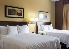 MainStay Suites - Minot - Makuuhuone