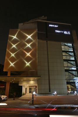 Hotel Trinity Isle - Bengaluru - Building