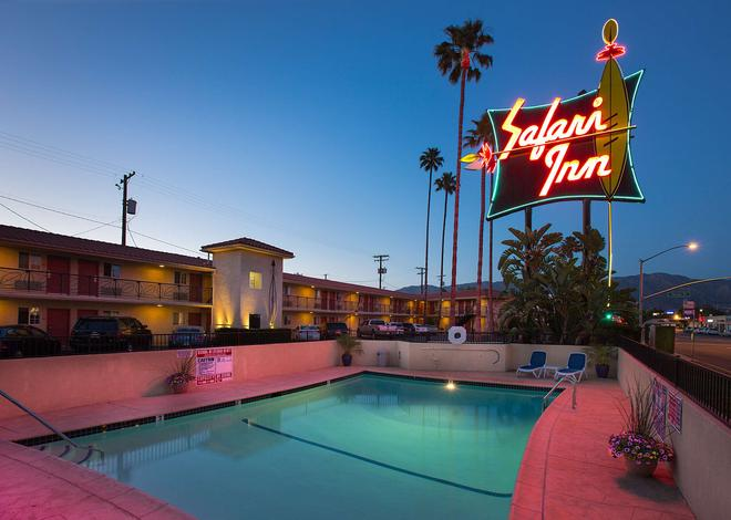 Safari Inn, a Coast Hotel - Burbank - Pool