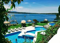 Hotel Y Club De Playa Master Club - Tequesquitengo - Bể bơi