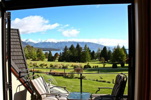 Dock Bay Lodge - Te Anau - Balcony
