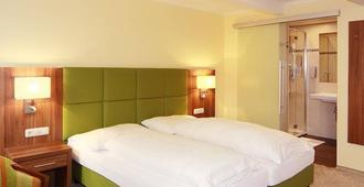 Hotel Goldener Adler - Linz - Bedroom