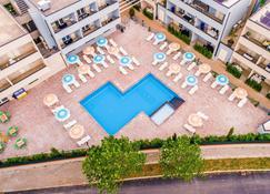 Golden Hotel & Apartments - Cecina - Zwembad