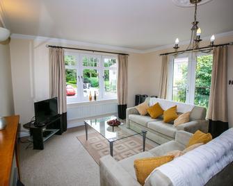 Turnberry Apartments - Girvan - Living room