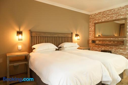 Loerie Guest Lodge - George - Bedroom