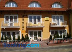 Tarr Apartmanok - Keszthely - Toà nhà