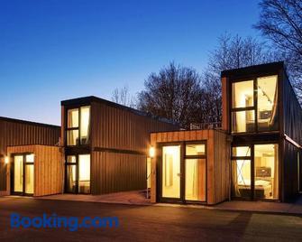 Modern ausgebauter Überseecontainer als Tiny House - Wertheim - Building